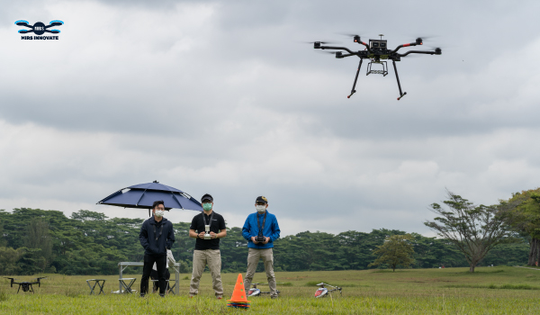 drone course singapore allows students to master the flying skills of the drone and familiar with relevant laws and regulations